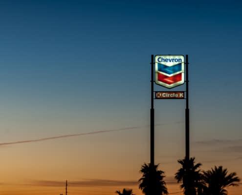 Chevron Tankstellenschild